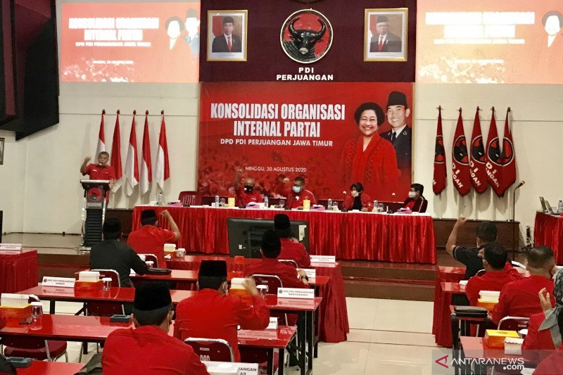 Sekjen PDIP: Kader harus patuhi putusan rekomendasi Pilkada Surabaya