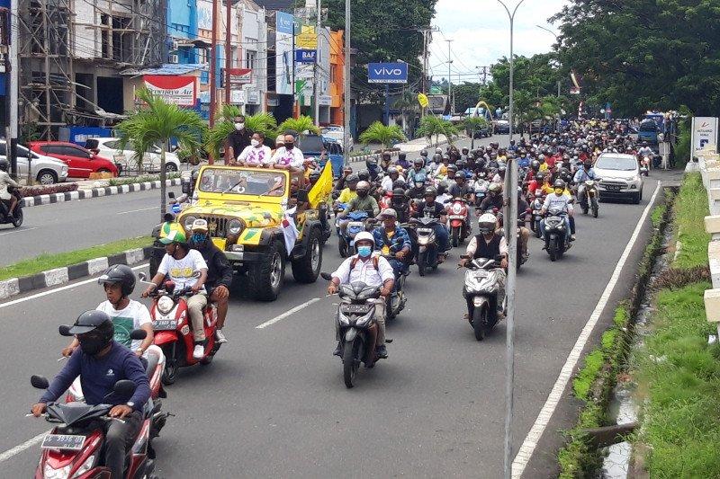 Pilkada Ternate, MHB-Gas diarak keliling kota