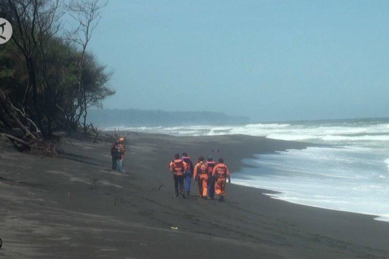 7 wisatawan terseret ombak di Pantai Goa Cemara Bantul