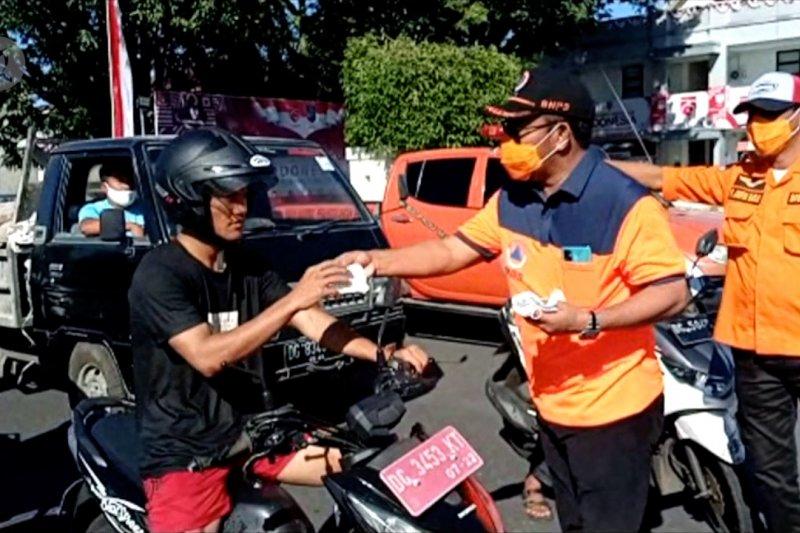Cegah COVID-19, BPBD Malut bagi ribuan masker gratis