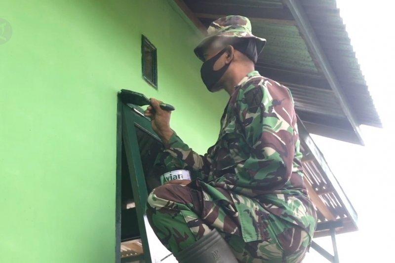 Jelang HUT RI,  TNI rehab rumah tak layak huni di Palu.