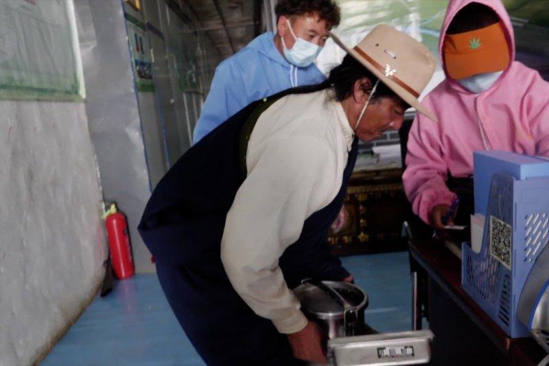 Meningkatkan pendapatan penggembala di Tibet