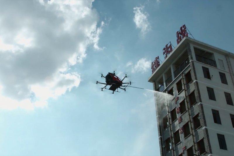 Produsen China luncurkan kendaraan damkar udara bermuatan besar