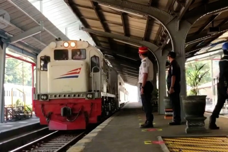 KAI Jember operasikan kembali KA Wijaya Kusuma