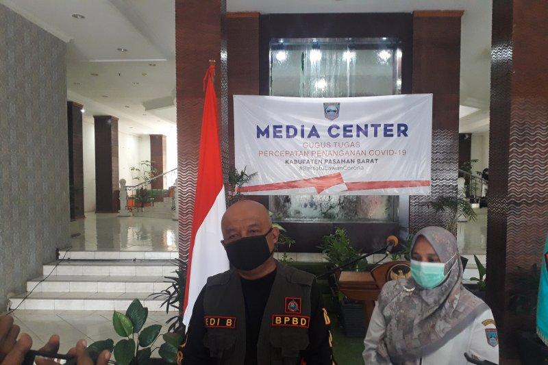 Petugas COVID-19 Pasaman Barat evakuasi paksa pasien tolak isolasi
