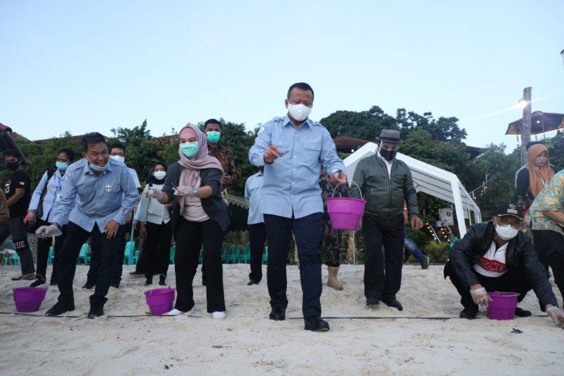 Menteri Edhy sambangi pulau kecil terluar di Kaltim