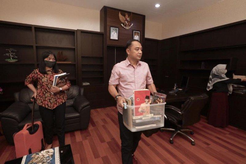 Eri Cahyadi kemasi barang usai direkomendasi maju Pilkada Surabaya
