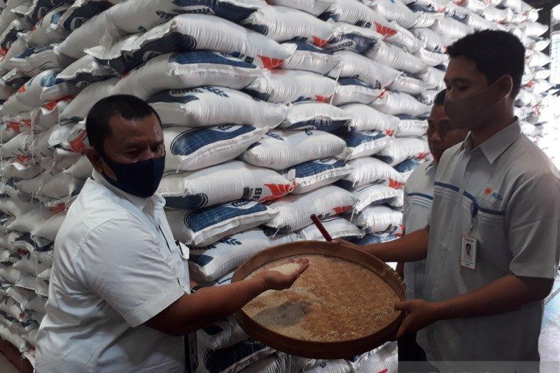 147.118 KPM-PKH di Kediri terima bantuan sosial beras