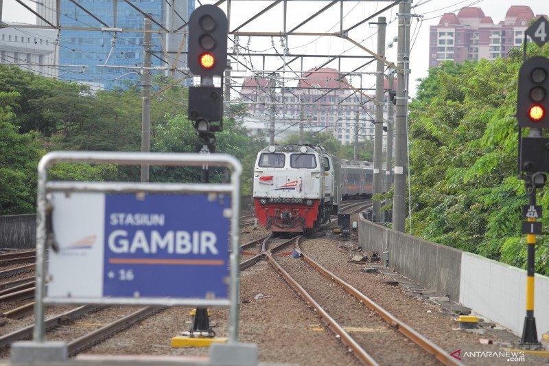 KAI batalkan semua perjalanan kereta dari Gambir-Pasar Senen hari ini