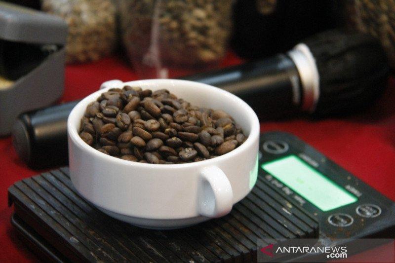 Kemenparekraf gali potensi kopi lokal di Danau Toba