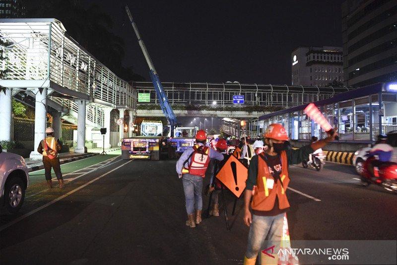 JPO Bank Indonesia dibongkar untuk persiapan konstruksi stasiun MRT