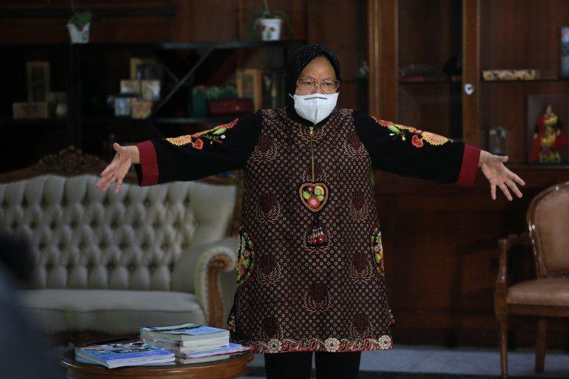 Wali Kota Risma jadi guru sekolah daring di Surabaya