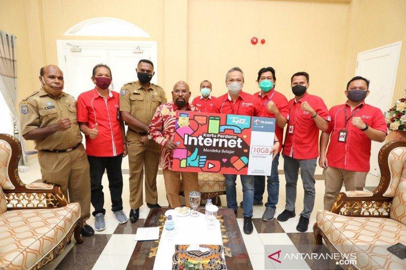 Gubernur Papua apresiasi kepedulian Telkomsel terhadap pendidikan