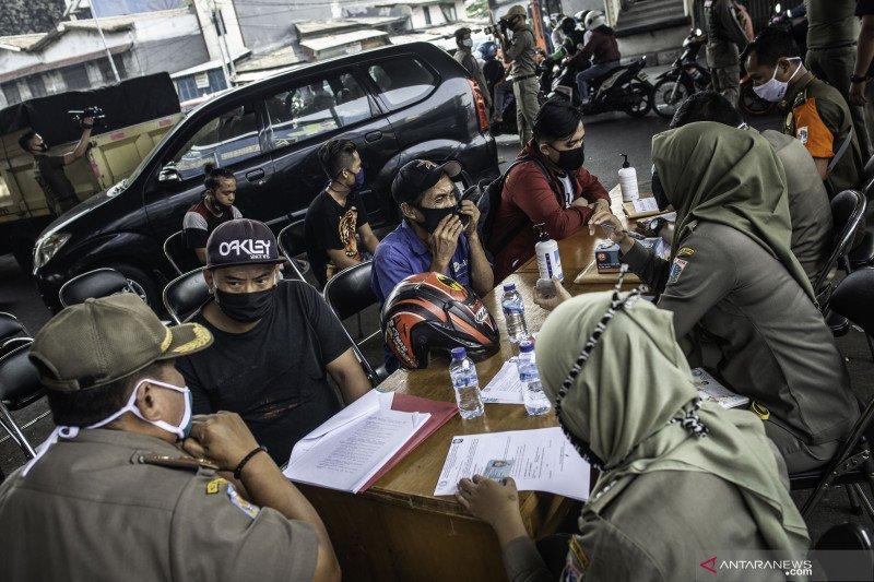 15 warga Warakas jalani sanksi sosial karena tidak pakai masker