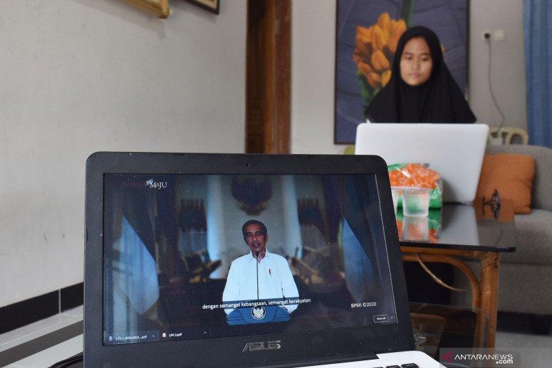 Presiden Jokowi: Menjadi mahasiswa UGM harus berprestasi