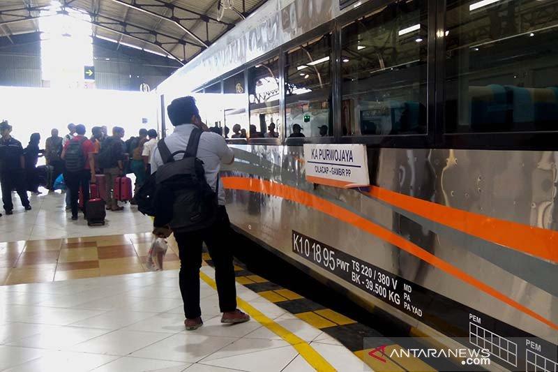 KAI kembali batalkan sejumlah perjalanan kereta api