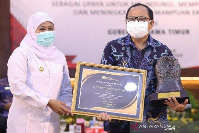 Pelindo III terima penghargaan Paritrana