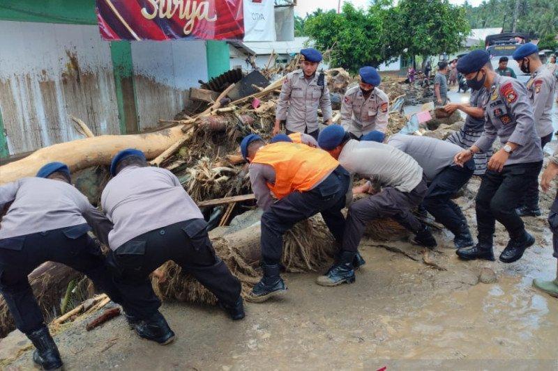 Tiga rumah hanyut akibat banjir di Bone Bolango