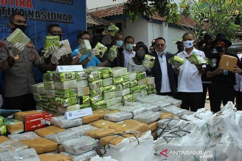 BNN musnahkan 238 kg sabu-sabu dan 404 kg ganja