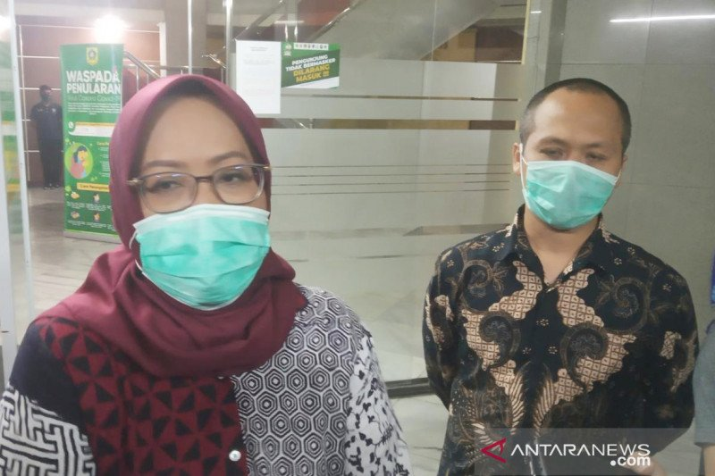 Bupati Bogor batasi operasional pusat keramaian sampai pukul 19.00