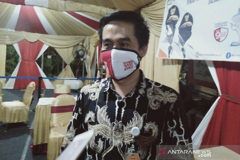Anggota KPU Surabaya beserta staf jalani swab test COVID-19