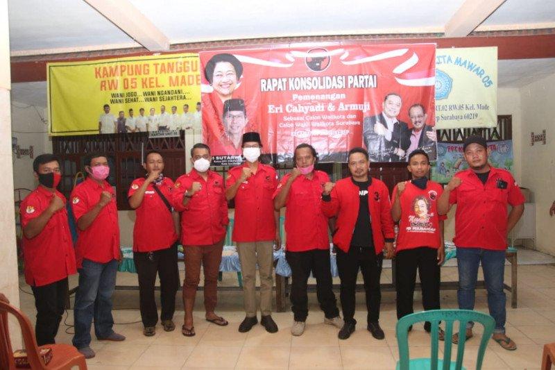 Kader PDIP Surabaya blusukan kampung kampanyekan Eri-Armuji