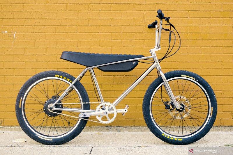 Kemarin, produksi iPhone 12 lalu sepeda BMX listrik