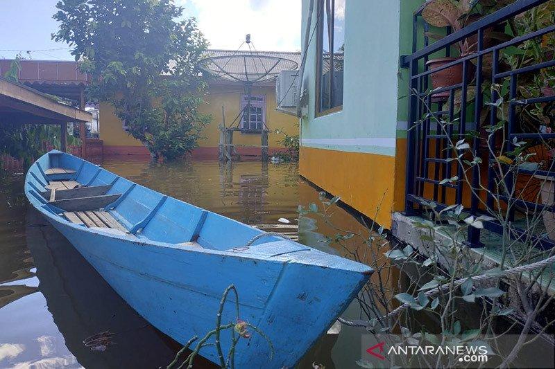 Hujan tinggi, 100 rumah warga Kapuas Hulu-Kalbar terendam banjir