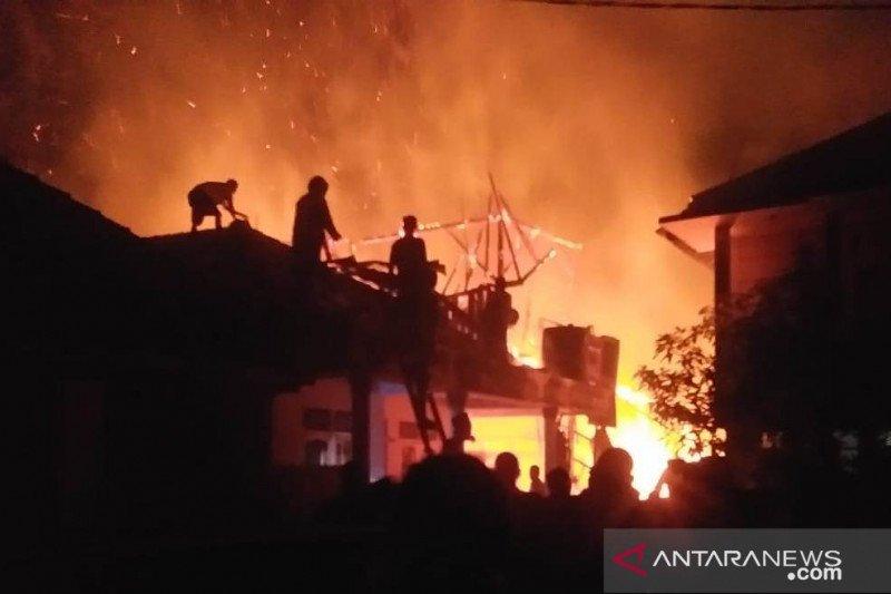 Ponpes di Cianjur terbakar, dua orang meninggal tersengat listrik