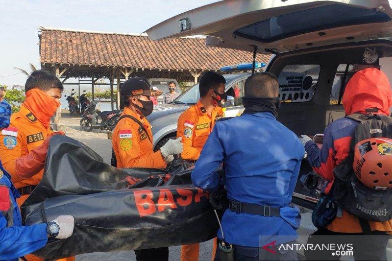 Jasad nelayan Sukabumi ditemukan tim SAR di Pantai Apra Cianjur-Jabar