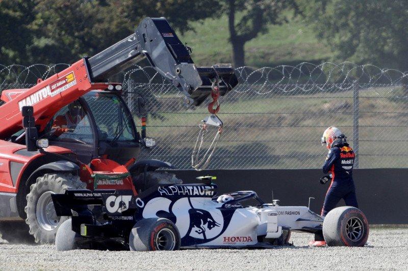 GP Tuscan start ulang menyusul insiden tabrakan sejumlah pebalap