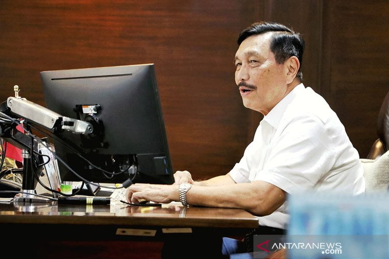 Presiden perintahkan Luhut Panjaitan tangani COVID-19 di 9 provinsi