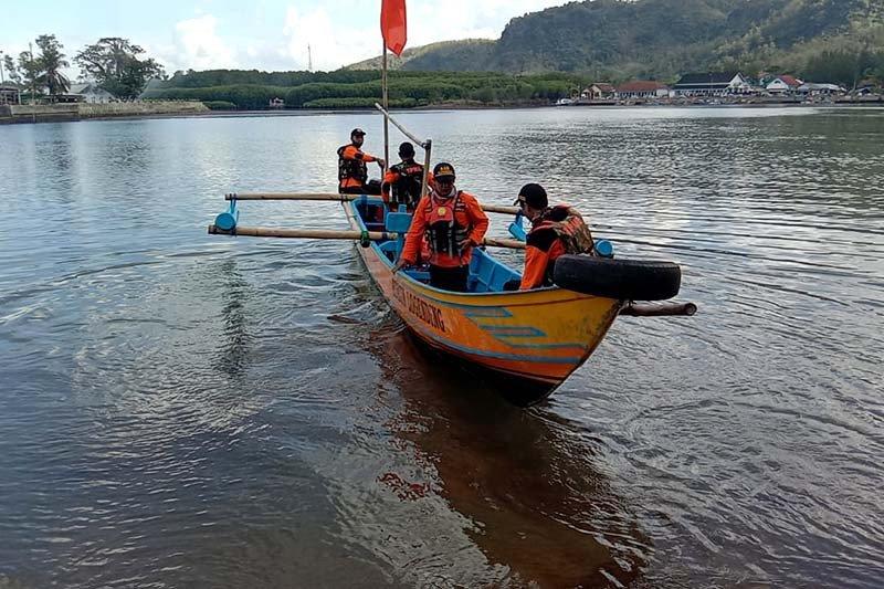 Basarnas Cilacap cari korban tenggelam di Kebumen dan Purworejo