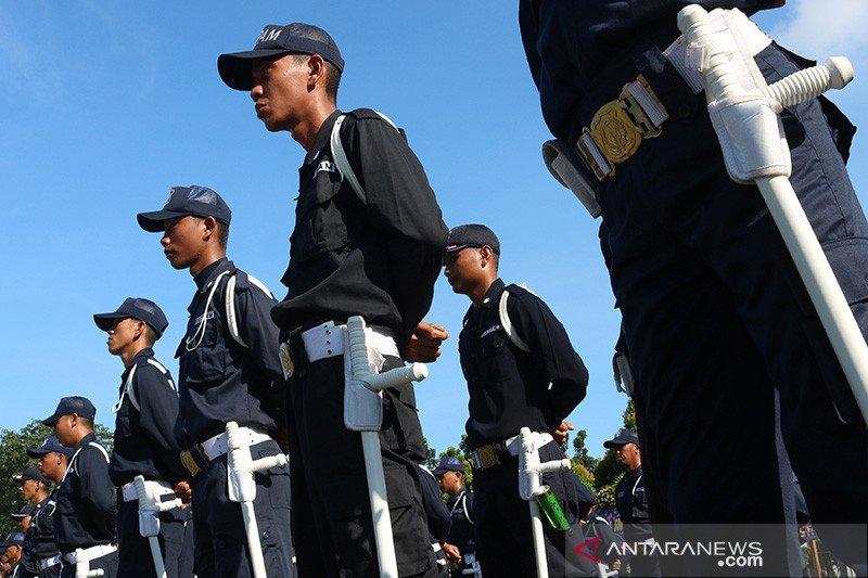 Seragam baru satpam untuk jalin kedekatan dengan Polri