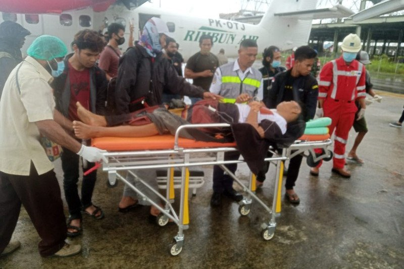 Dua korban penembakan KKB di Sugapa dirawat di Timika