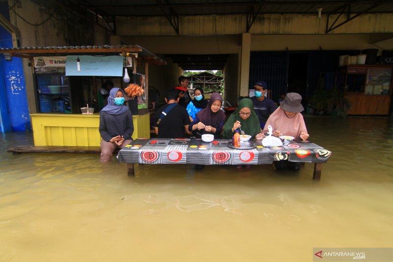 Terjebak banjir, balita dan ibunya dievakuasi Kodim Putussibau-Kalbar