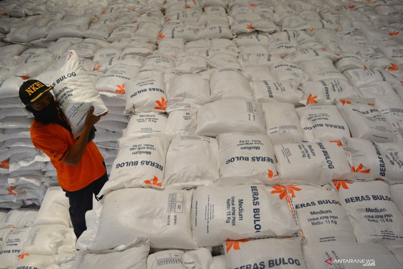 Bulog salurkan bansos beras kepada 50 ribu keluarga penerima di Jombang