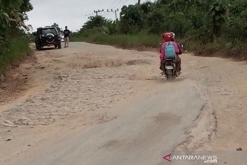 Kerusakan jalan di wilayah calon ibu kota negara baru mulai diperbaiki