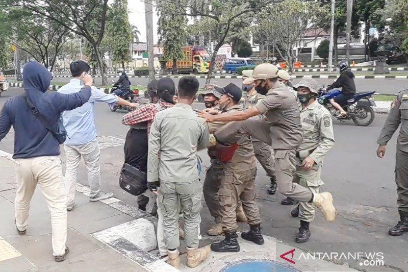 Satpol PP Bogor minta maaf usai anggotanya tendang mahasiswa