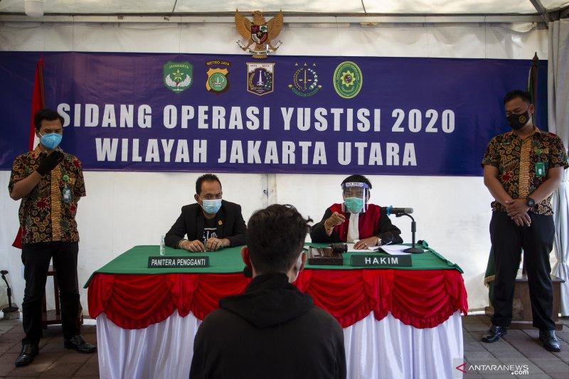Kemarin, suara dentuman di Jakarta hingga polisi kejar napi kabur
