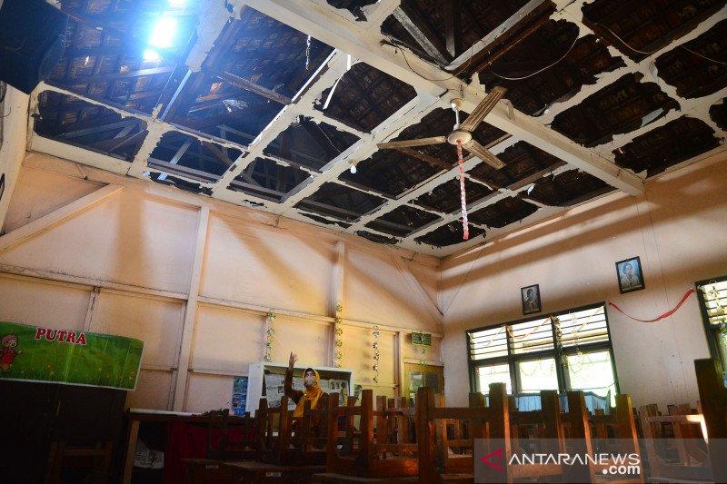 Bangunan sekolah dasar rusak di Kudus
