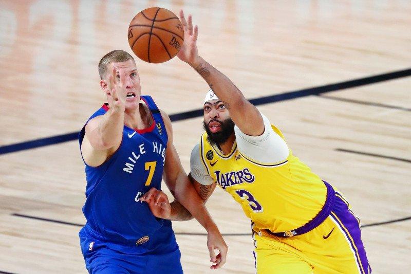 Lakers atasi Nuggets di gim pertama final Wilayah Barat