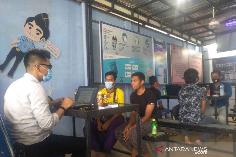 Empat Rohingya Malaysia cari keluarga di Aceh diamankan Imigrasi
