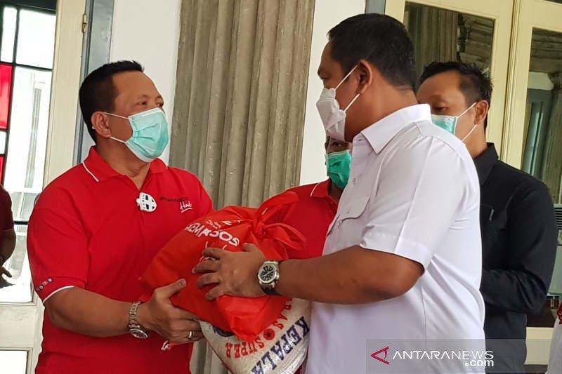 Kementerian Sosial berikan 8.000 paket sembako untuk warga Semarang