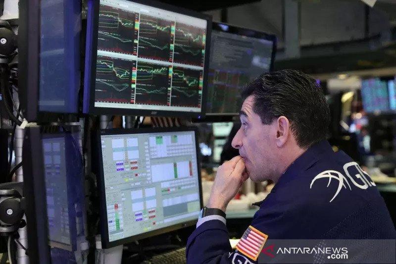 Wall Street turun tertekan lonjakan COVID-19, data penjualan ritel