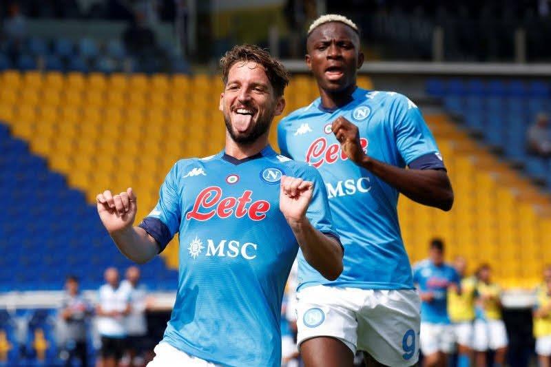 Napoli menggila, pesta enam gol tanpa balas ke gawang Genoa