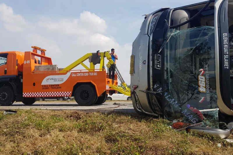 Polisi tangani kecelakaan di Tol Cipali  akibatkan seorang tewas