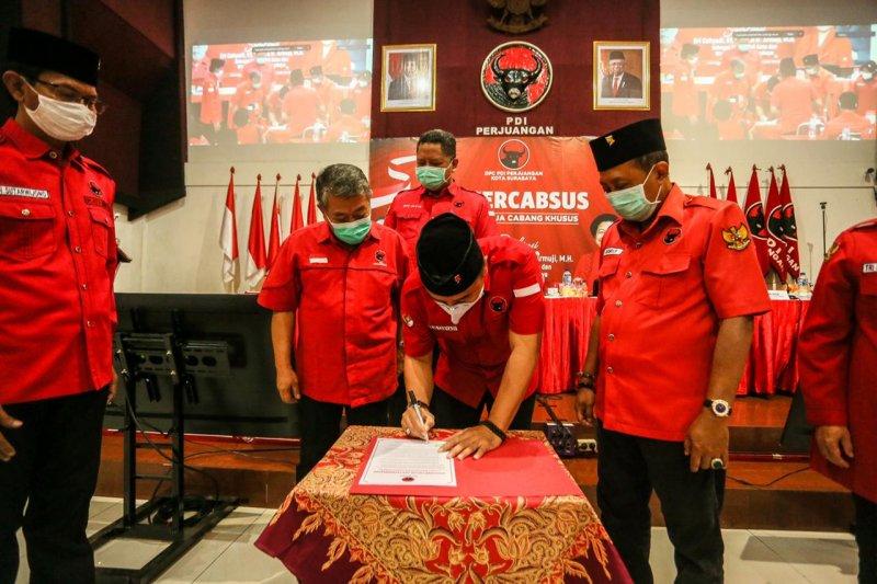 Eri-Armuji teken komitmen politik melanjutkan program Wali Kota Risma
