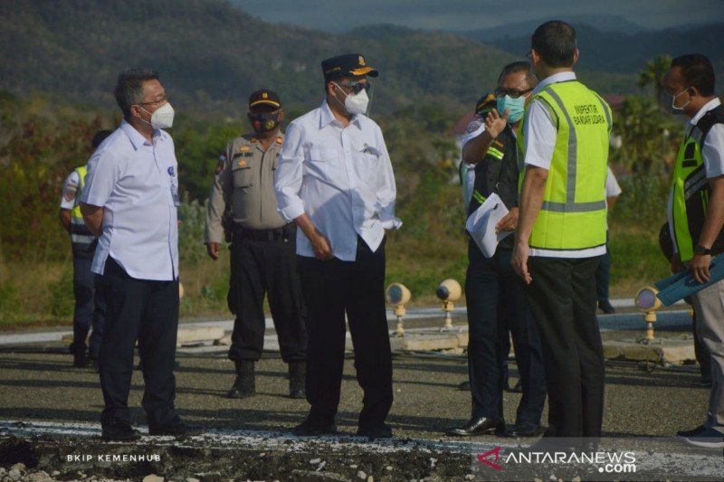 Menhub pastikan pembangunan infrastruktur di Labuan Bajo tetap jalan
