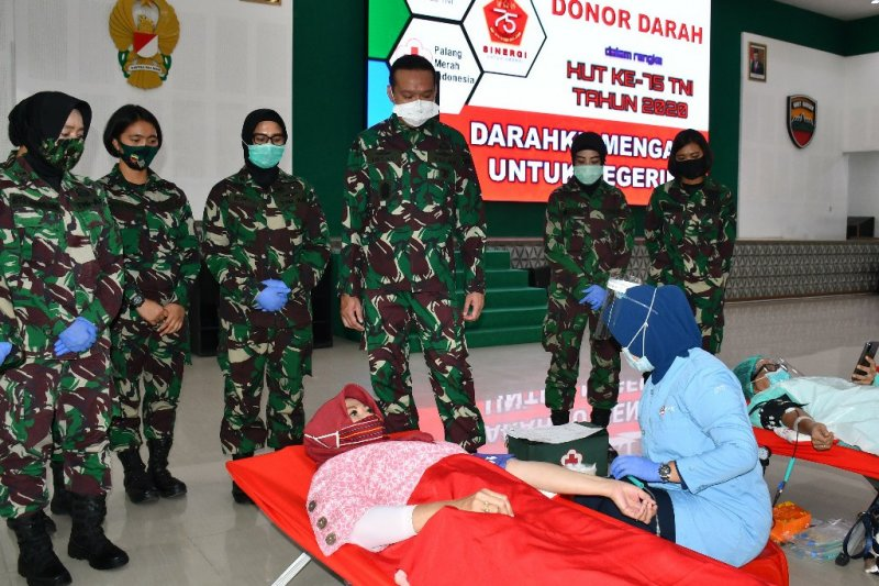 Kodam I/BB gelar donor darah sambut HUT ke-75 TNI